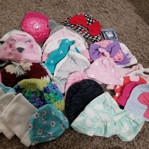 Lot of 30 baby hats